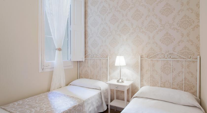 Habitación dos camas Luxury La Pedrera