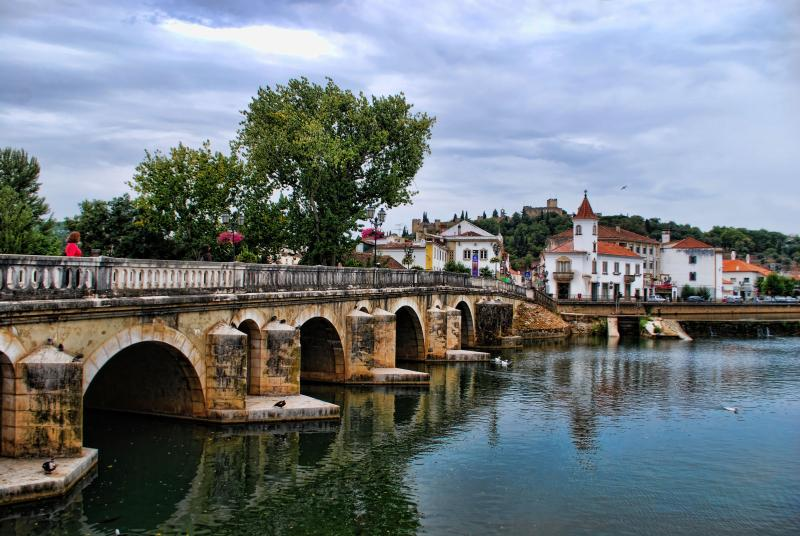 bridge-city-of-tomar-portugal