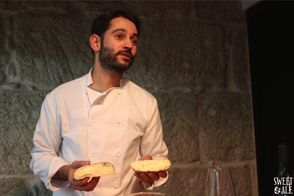 Alejandro con corte queso divirin