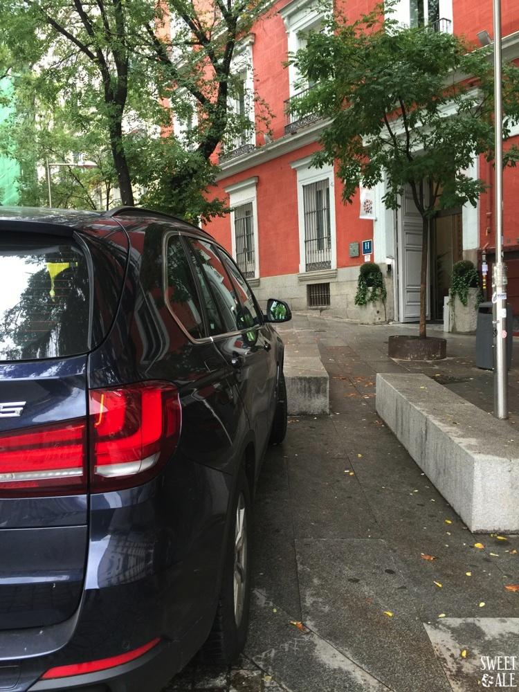 Coche aparcado Hotel