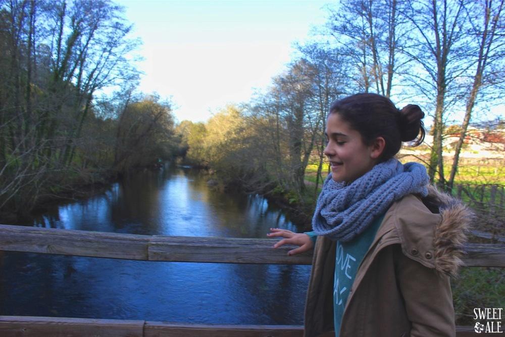 Ale en el puente paseo fluvial
