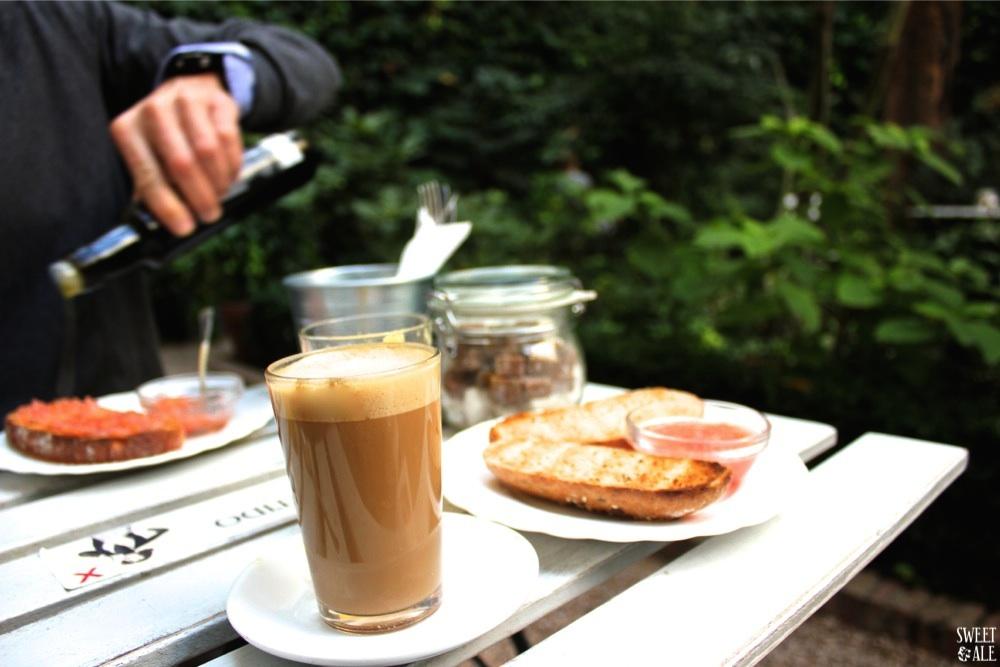 desayuno café jardín