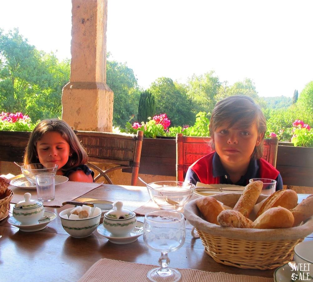 Pablo & Ale desayuno Le Chatenet
