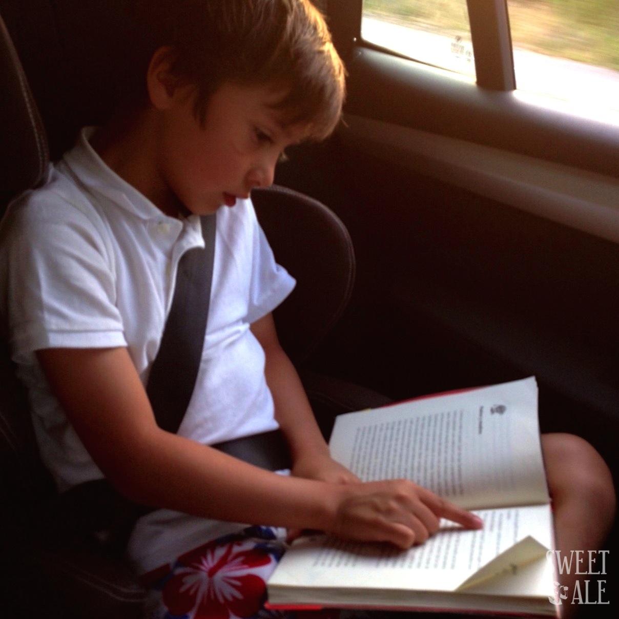 Guille leyendo