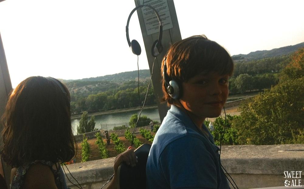 Niños tren visita Avignon