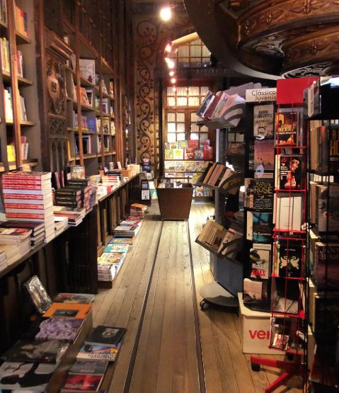 Railes via suelo libreria