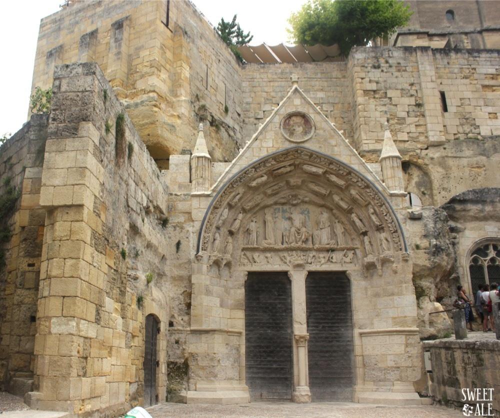 fachada-iglesia-monolitica