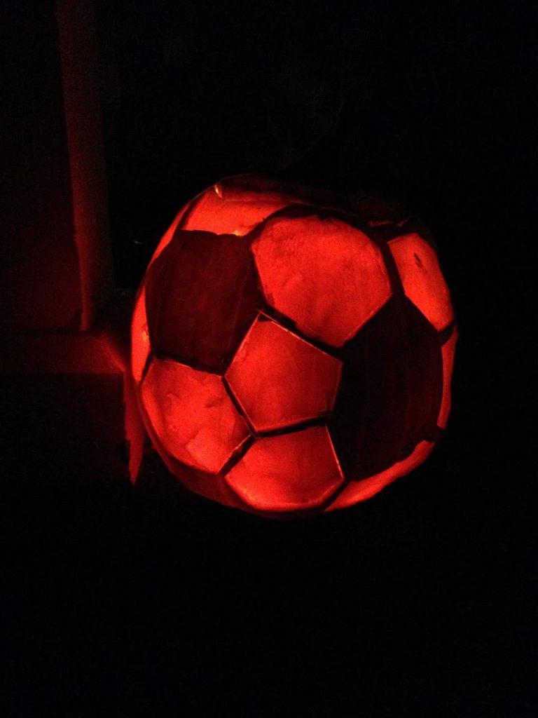 soccer-pumpkin