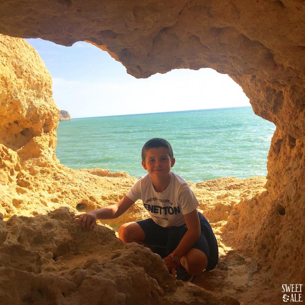 Acantilados Espectaculares En Carvoeiro (Algarve)