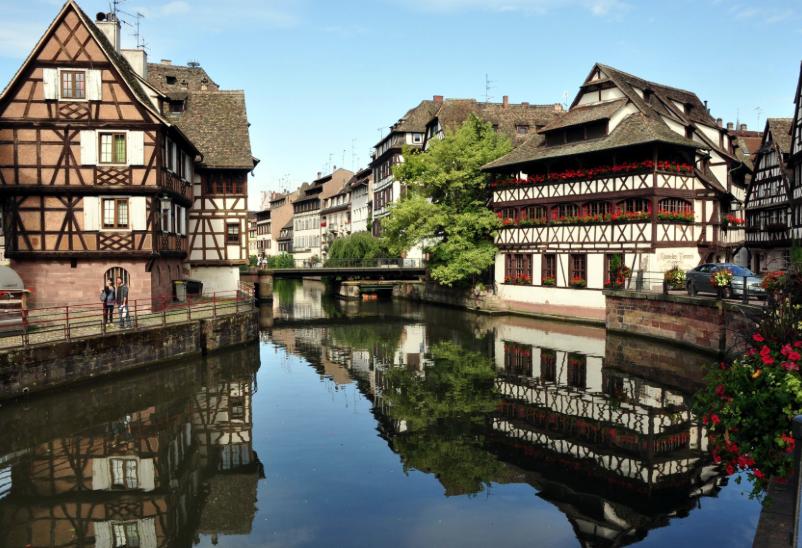Diferentes C Es Cruzan Los Afluentes Del Rhin Separando Los Distintos Barrios De La Ciudad Hoy Nos Vamos A Conocer Estrasburgo Una De Las Ciudades Mas