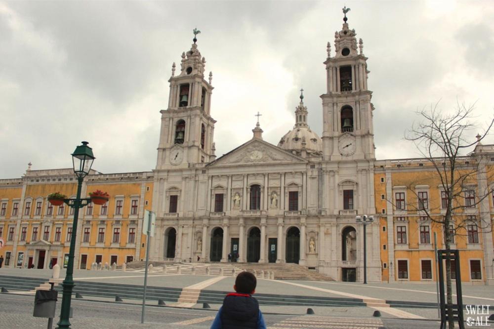 Palacio Nacional De Mafra & Una De Las Bibliotecas Más Bonitas Del Mundo – Portugal